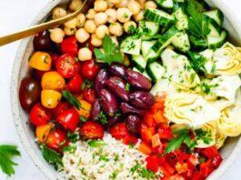 Mediterranean-Brown-Rice-Salad-Ensalada Mediterránea de Arroz Integral