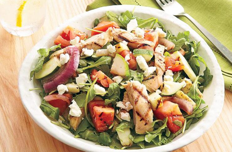 ensalada de pollo y verduras chicken and vegetable salad